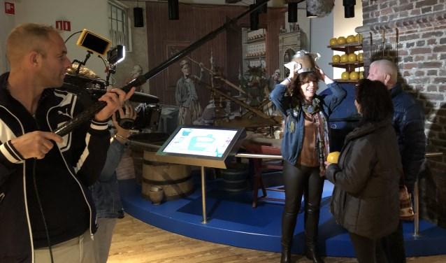 Het Kaasmuseum tijdens opnames van De Grote Tuinverbouwing met Myrna Goossen.