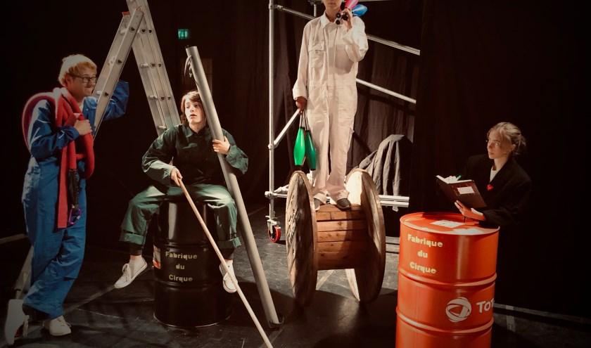 'Fabrique du Cirque' biedt een kijkje in het wel en wee van fabrieksarbeiders anno 1926.