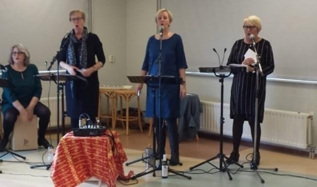 De vier zussen Groenewoud in actie.