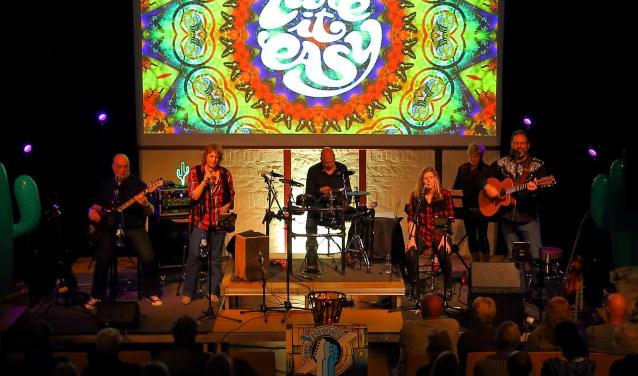 The Visitors tijdens een optreden.