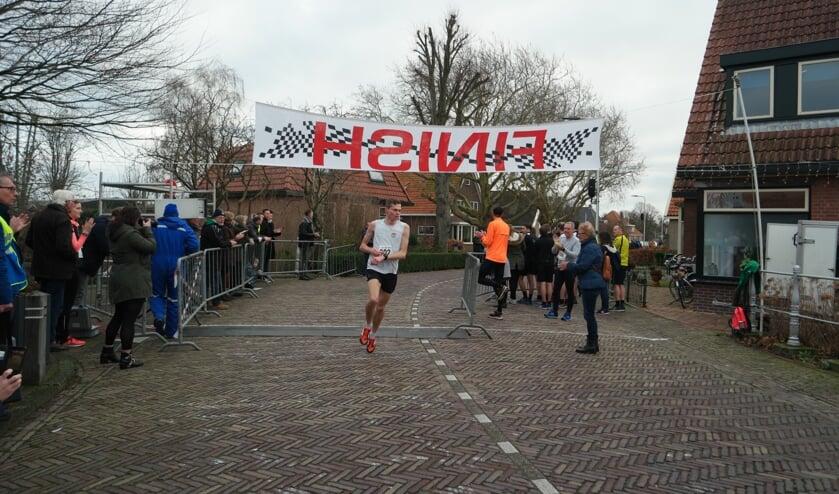Een deelnemer kreeg vorig jaar een luid applaus van het publiek, zodra hij over de finish kwam..
