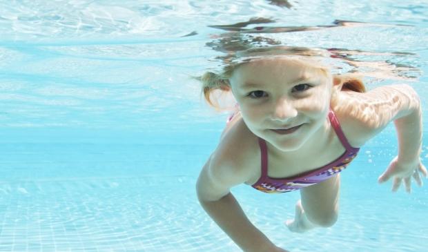Het zwemseizoen komt er weer aan: opening uitgesteld.
