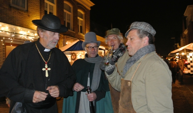 <p>Geen figuranten op de Nieuwstraat. Dickensdag is afgelast.</p>