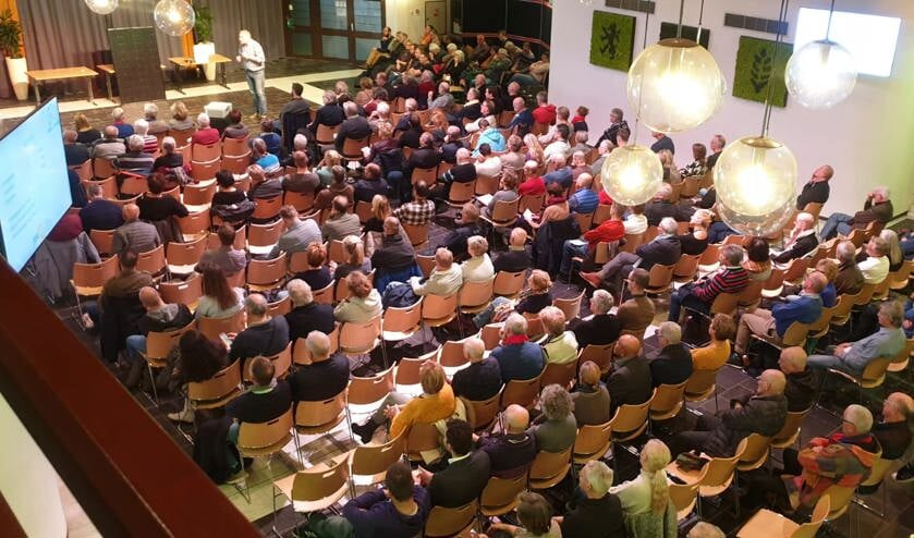 Volle zaal tijdens de informatieavond van 27 november.