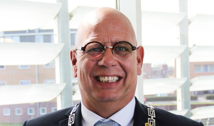 Waarnemend burgemeester Jan Franx blijft tot halverwege volgend jaar in gemeente Koggenland.