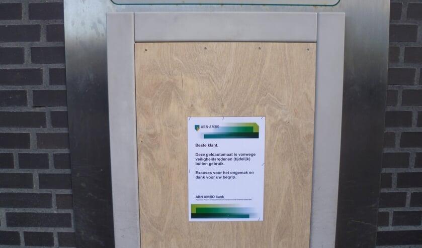 De geldautomaat op het Marktplein in Hoofddorp is (voorlopig) niet te gebruiken.