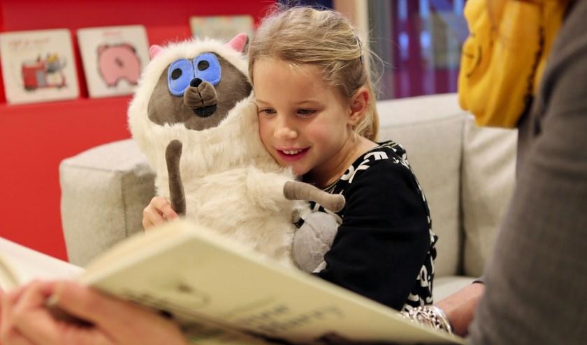 Er wordt al elkewoensdagmiddag voorgelezen in de Helderse bibliotheken.
