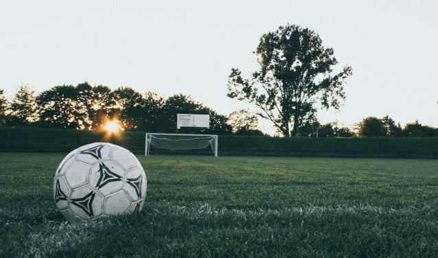 Een voetbalveld.