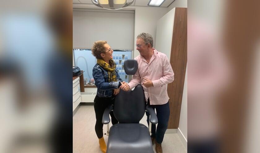 Camila de Zinger en Marcel de Wit bezegelen de overname van de praktijk