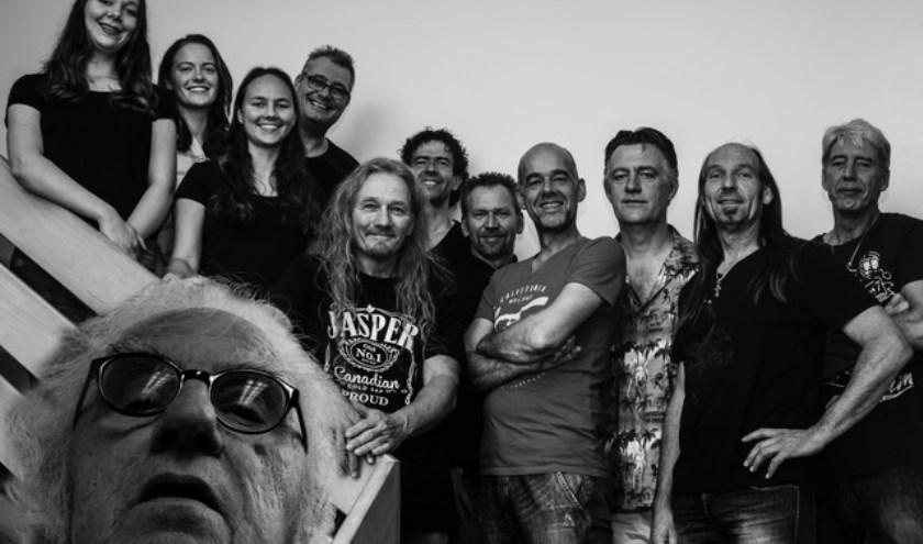 De twaalfkoppige West-Friese band Cheap Thrills! brengt een ode aan Frank Zappa.