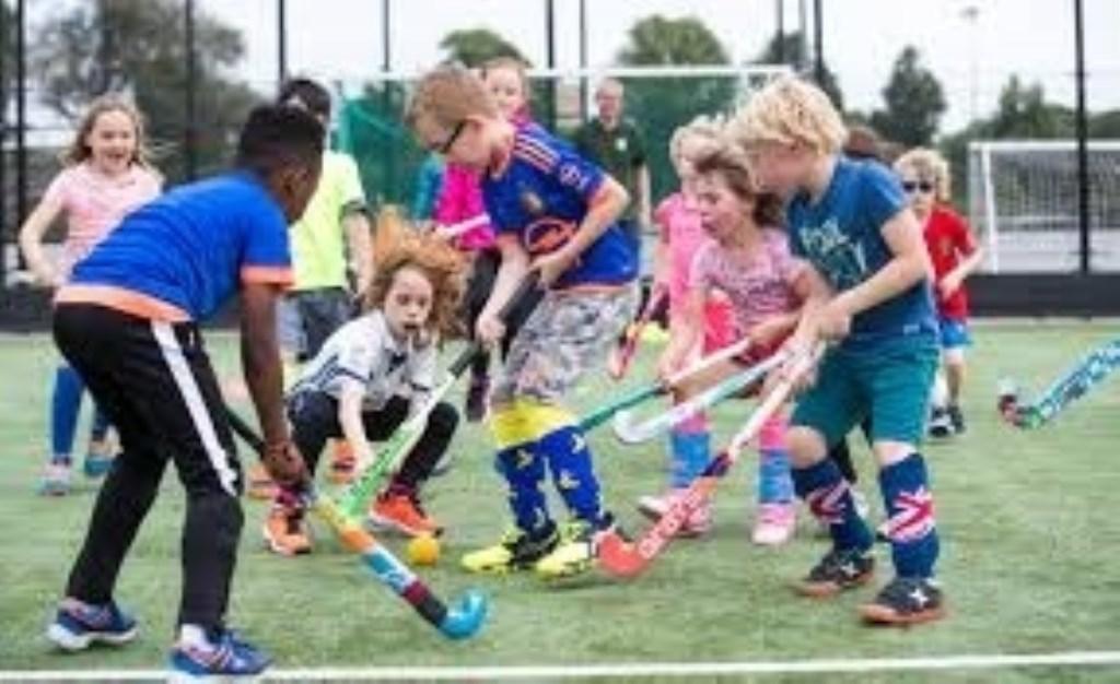 Door te sporten of creatief bezig te zijn, ontwikkelt een kind zich beter. ( Jeugdfonds Sport & Cultuur Nederland) © rodi