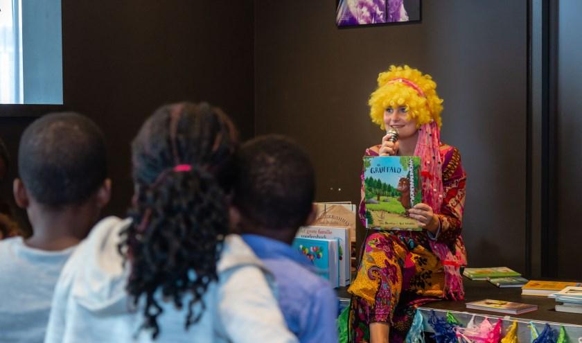 Kinderen kunnen in de Bieb onder meer worden voorgelezen.