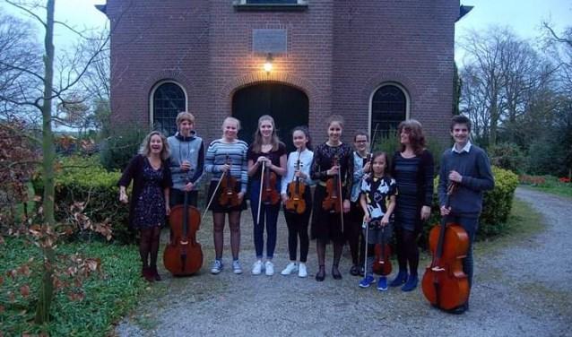 In drie concerten zijn er diverse optredens met solisten en ensembles.