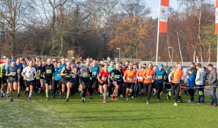 Ruim 400 deelnemers aan de start bij de 2e Strand- en duinloop.