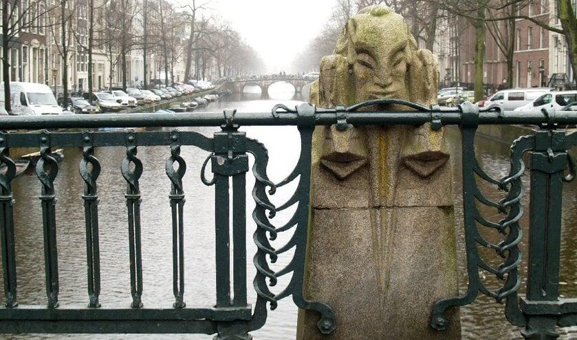 De documentaire vertelt het verhaal over de uit Overijssel afkomstige Amsterdamse School-kunstenaar Hildo Krop.