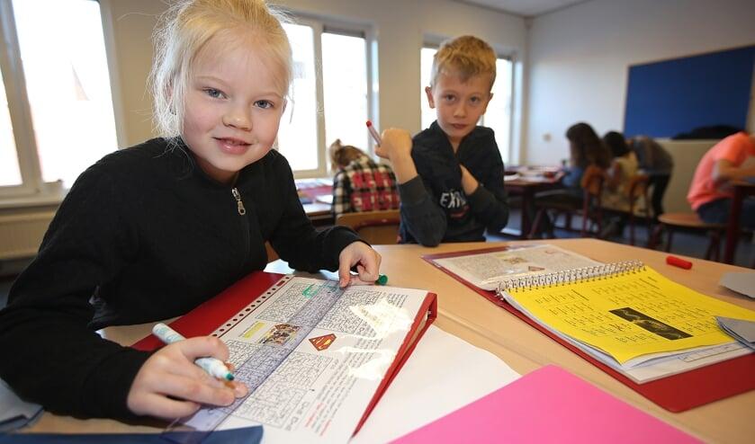 Met ingewikkelde puzzels wordt het creatief denkvermogen van de kinderen aangesproken.