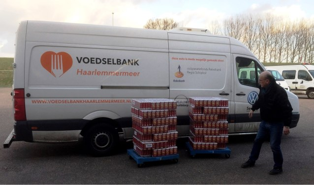 Voedselbank Haarlemmermeer is blij gemaakt met maar liefst 2338 pakken koffie.