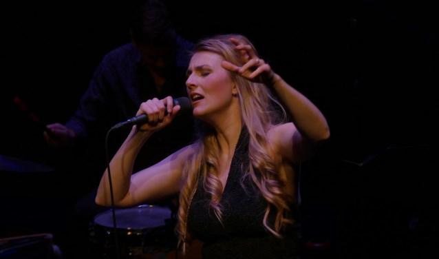 Daisy Correia tijdens een recent optreden.