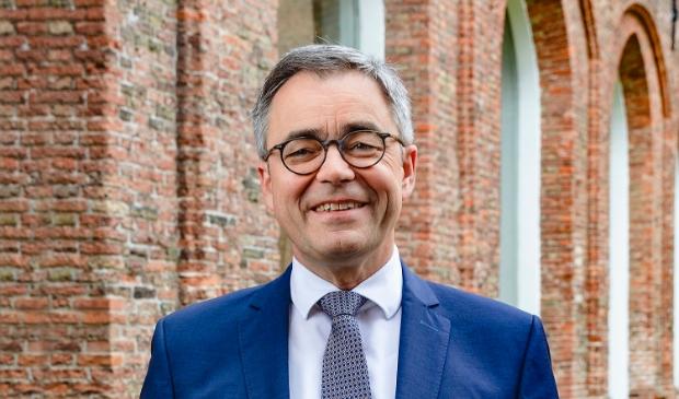 <p>Burgemeester Jos Wienen moest zich donderdag flink verdedigen.</p>
