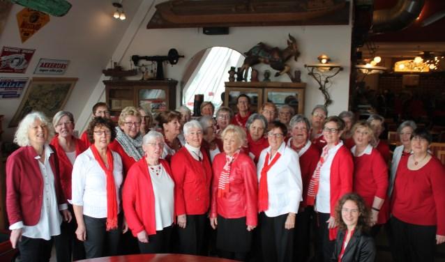 De dames van het Projektkoor West Side Sound.