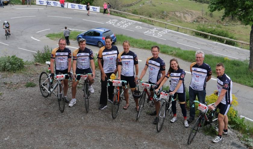 Naast fietsen gaat Team Groot ook feesten voor het goede doel.