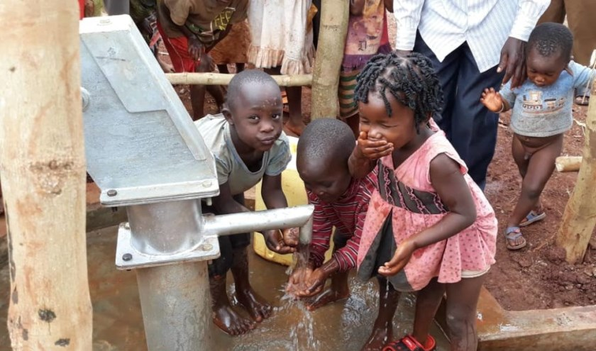 Stop Poverty biedt veilig water om een gezond bestaan op te bouwen.
