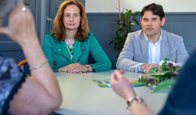 Coordinator Judith Sanstra en rechts buurtbemiddelaar Ralph van der Eijk.