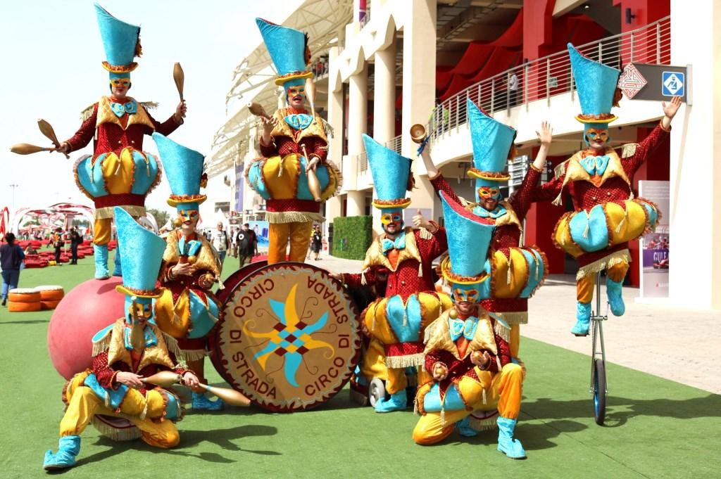 De kleurrijke artiesten van de Circus Parade. (Foto: aangeleverd) © rodi