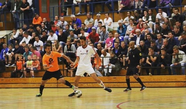 White Stones drie wedstrijden verwijderd van lijfsbehoud in Eredivisie.