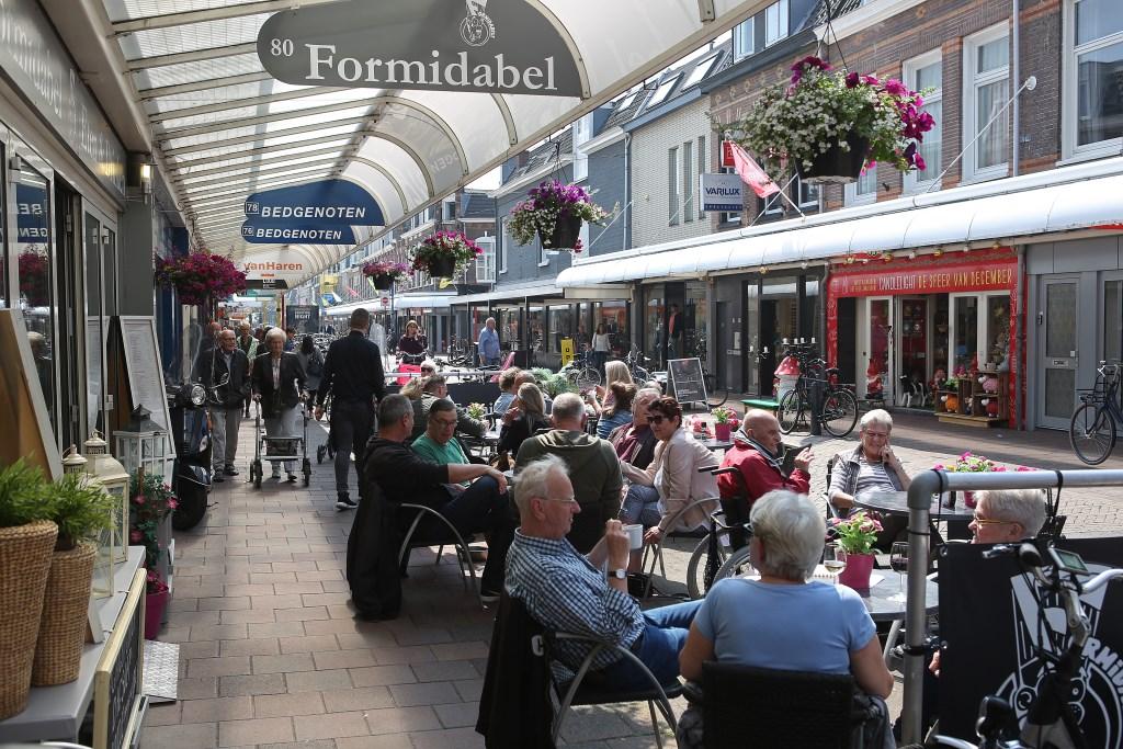 Gezellig winkelen en genieten in de Cronjé. (Foto: Rowin van Diest) © rodi