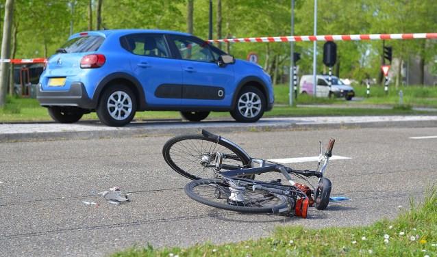 De bestuurster van de auto zag de fietser opeens voor zich opduiken en kon deze niet meer ontwijken.