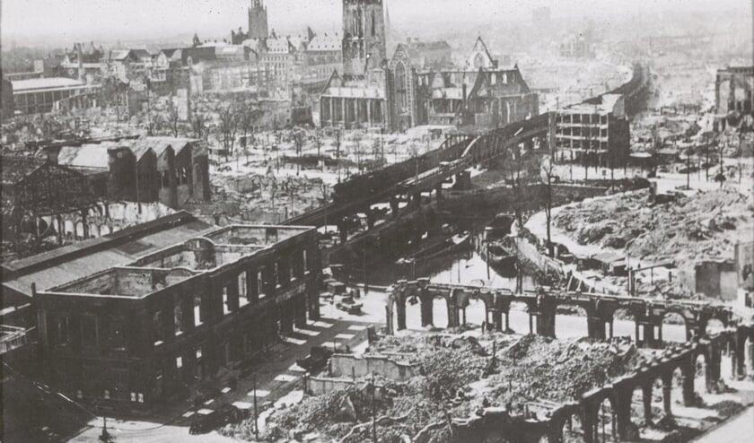 Rotterdam na het verwoestende bombardement op 14 mei 1940.