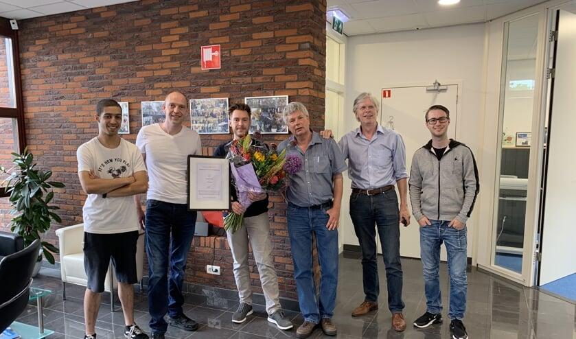 ITSD leidt mbo-studenten op. Op de foto tweede van links Daniël Pardoen.