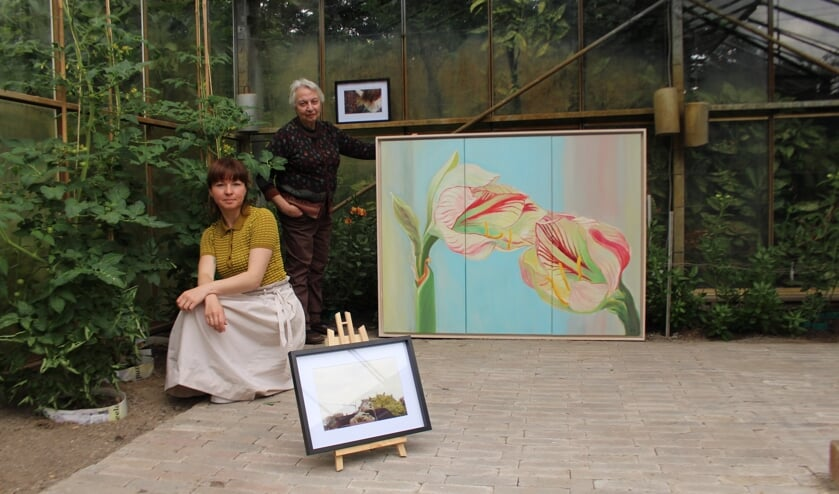 De Hoornse kunstenaars Nuray Atas en Izabela Teleszynska laten 30 juni hun werk zien bij Kunst in de Kas.