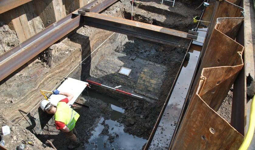 De keersluis in Den Oever: hier werd een spectaculaire archeologische vondst gedaan.
