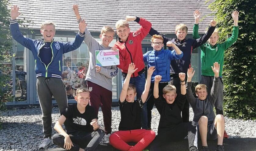 Team paars uit Avenhorn zamelde maar liefst 1.476 euro in voor KiKa.