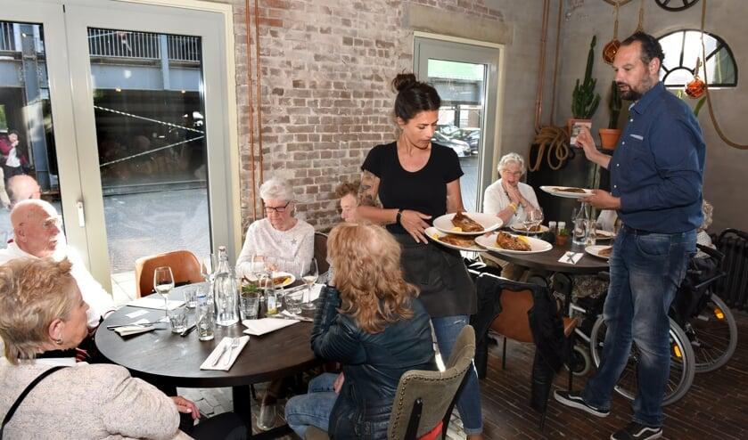 Een van de activiteiten van de SVP is Tongen in Purmerend. Dit jaar worden 1.000 inwoners uit Purmerend en Beemster uitgenodigd om te genieten van overheerlijke sliptongen.
