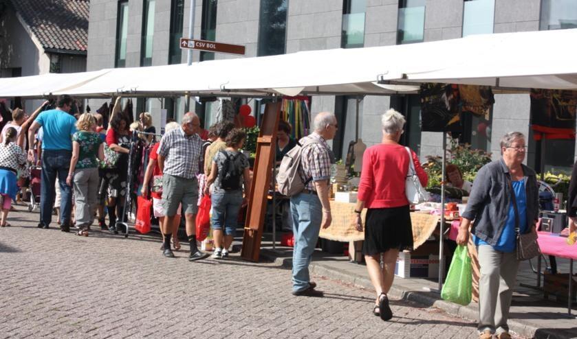 Deze zomer staat de Langedoiker markt weer opgesteld in Broek op Langedijk.