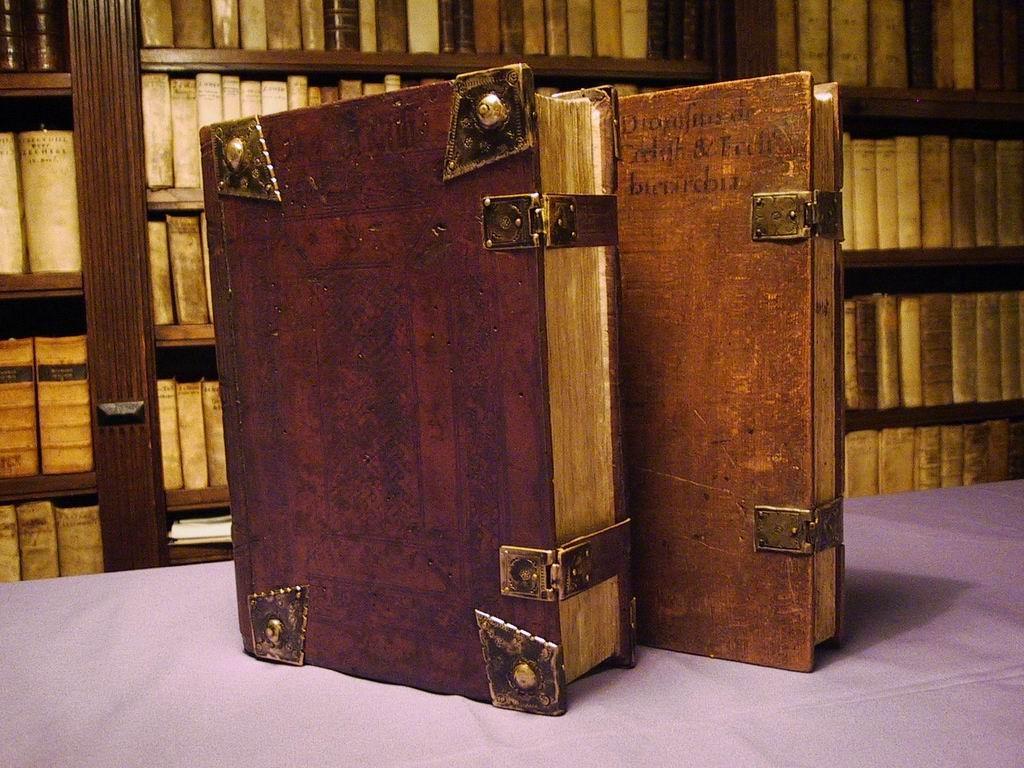 Zeldzame boeken in bezit? Kom dan langs voor een taxatie.  © rodi