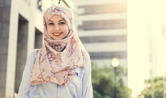 De Wet gedeeltelijk verbod gezicht-bedekkende-kleding gaat 1 augustus van kracht.