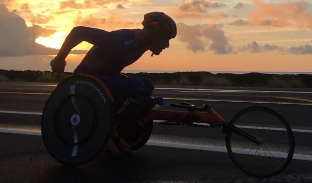Geert Schipper in training voor de IRONMAN in Hoorn.