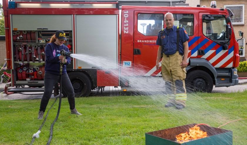 Brandje blussen met de brandweer bij Philadelphia Heerhugowaard.
