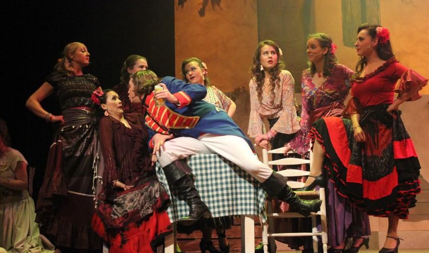 Dennis Burgers (hier te zien als sergeant Garcia in 'Zorro!') neemt de hoofdrol van Yuri Zhivago op zich in de nieuwe musical van Brassica.