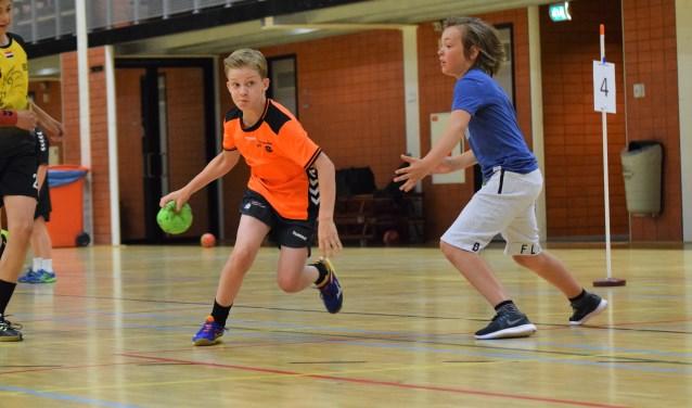 Jongenshandbal is een snelle en tactische sport. Iets voor jou?