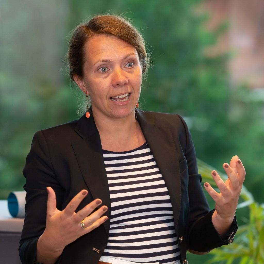 Annet Rijser van Reuring vertelde enthousiast over het festival. (Foto: Han Giskes) © rodi