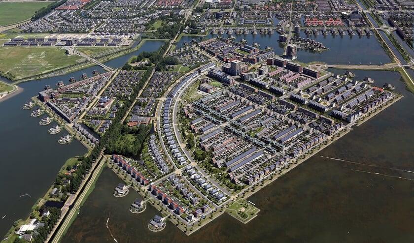 De Middenweg-Zuid loopt dwars door de moderne wijk Stad van de Zon, maar heeft amper aan authenticiteit ingeboet.
