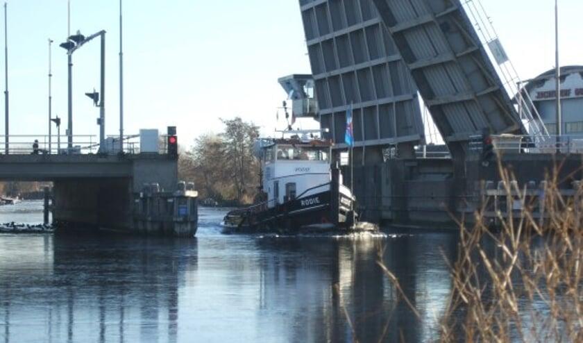 Bruggen in Noord-Holland zoals deze bij Aalsmeer worden deze zomer op aangepaste tijden bediend.