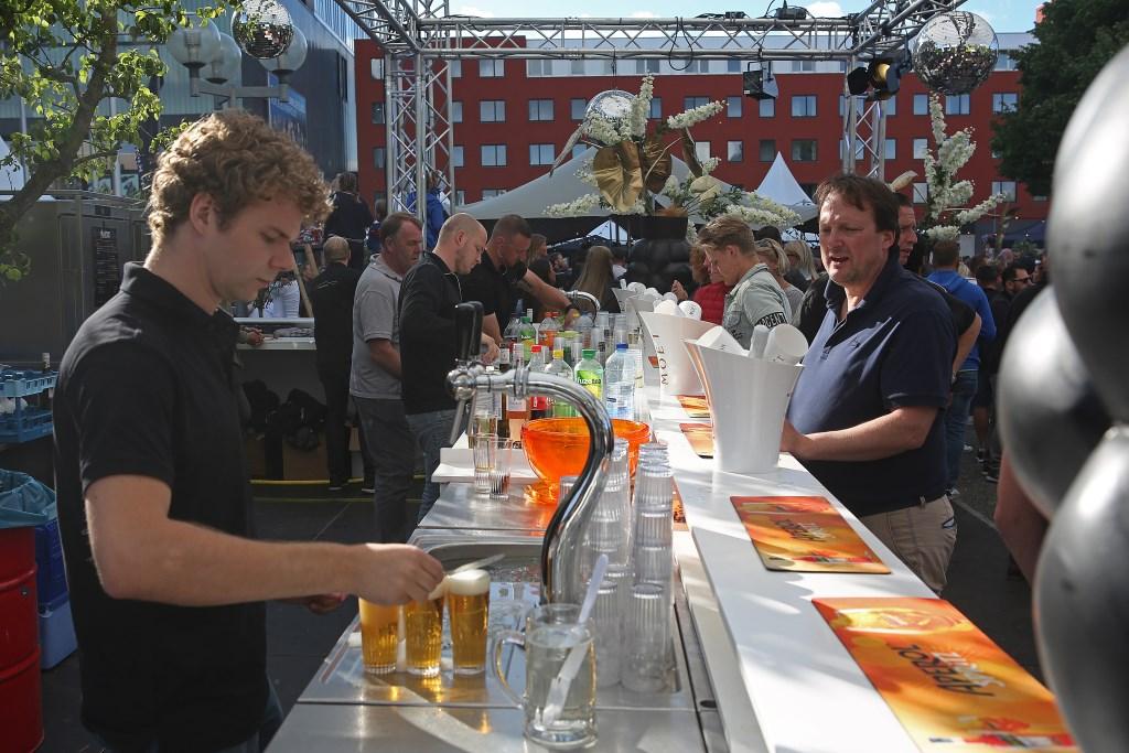 De tap staat deze Haarlemmermeer Culinair-editie niet stil.  (Foto: Rowin van Diest) © rodi