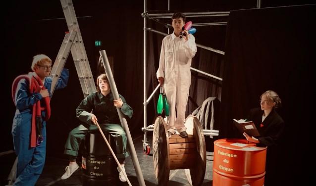 Cirque du Fabrique, de voorstelling van de artiesten van Circusschool Tefredo.