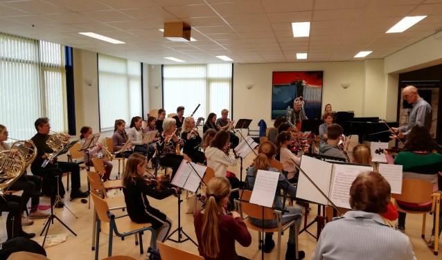 Muziekschool Oostelijk West-Friesland geeft een concert in het kasteel in Medemblik.